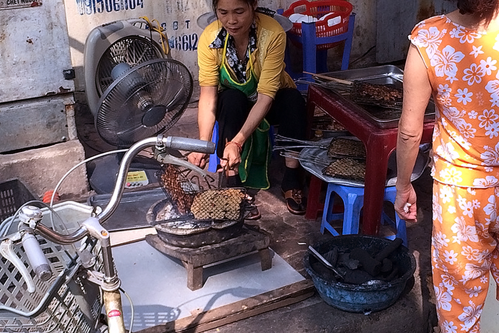 Hanoi-street food add (1)